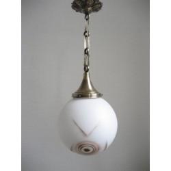 Art Deco hanglamp met ronde glazen bol met geometrische patronen