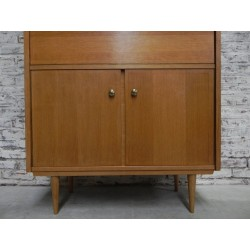 Wandkast Met Klep.Vintage Kast Met Klep En Schuifdeuren Vintage Highboard With Flap And Sliding Doors