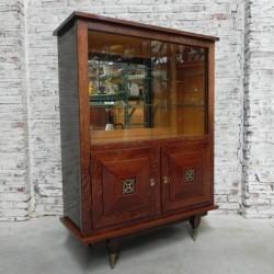 Vintage vitrine met 2...