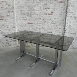 Vintage tafel met glazen...