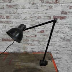 Industrial workplace lamp