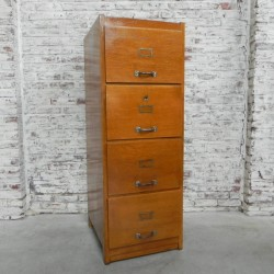 Oak chest of drawers with 4...