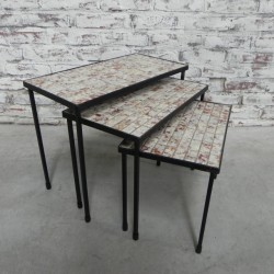 Nesting set with 3 tile tables