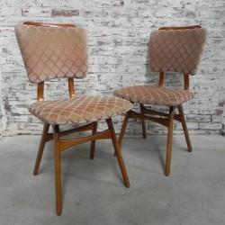 2 vintage stoelen
