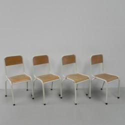 4 schoolstoelen zithoogte...